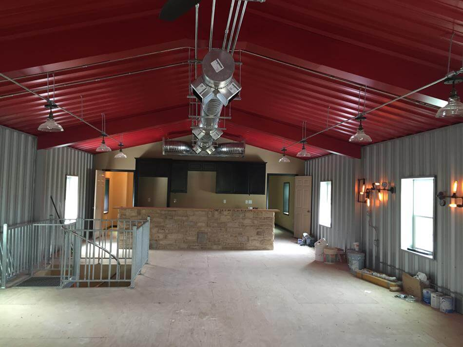 Man Cave With Upstairs Living Quarters In Cuero, Texas