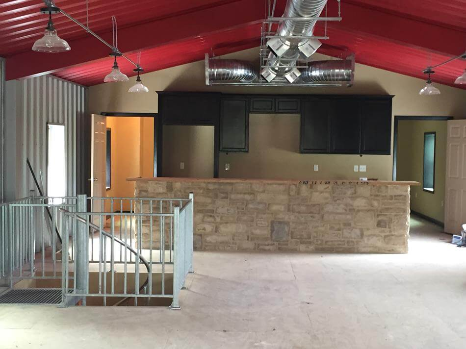 ... Texas Man Cave With Upstairs Living Quarters In Cuero, ...