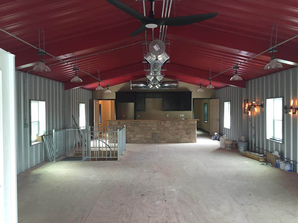 Captivating ... Texas Man Cave With Upstairs Living Quarters In Cuero, ...
