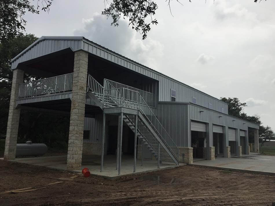 Residential steel metal building erector contractor Steel building with living quarters